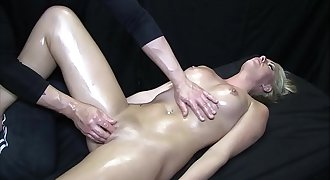 Hot Blonde Gets Oil Rubdown and Happy Ending