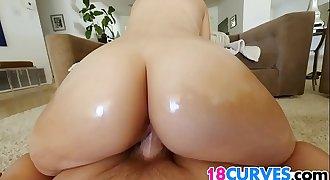 Teen Kate Alton Has A Big Booty