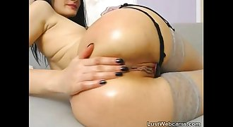 Hot brunette toys her ass on webcam