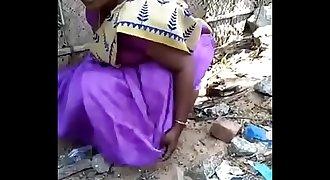 Desi gf aunty urinate capture