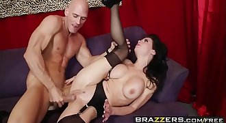 Brazzers - Milfs Like it Big - (Veronica Avluv, Johnny Sins) - The Right Fit