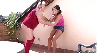 Older man fucking junior woman from behind